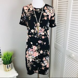 Adorable Soprano black floral shirt sleeve dress